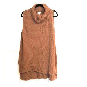 Vowel neck sweater tank